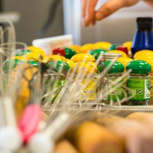 Több mint tíz ingyen konyha rendszeres támogatása Kárpátalján